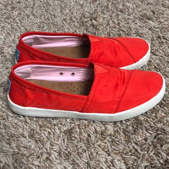 07810f5c279 Toms Red Avalon Slip Ons Sneakers Size 6. M_5b5980f1283095b56c409763. Other  Shoes you may like